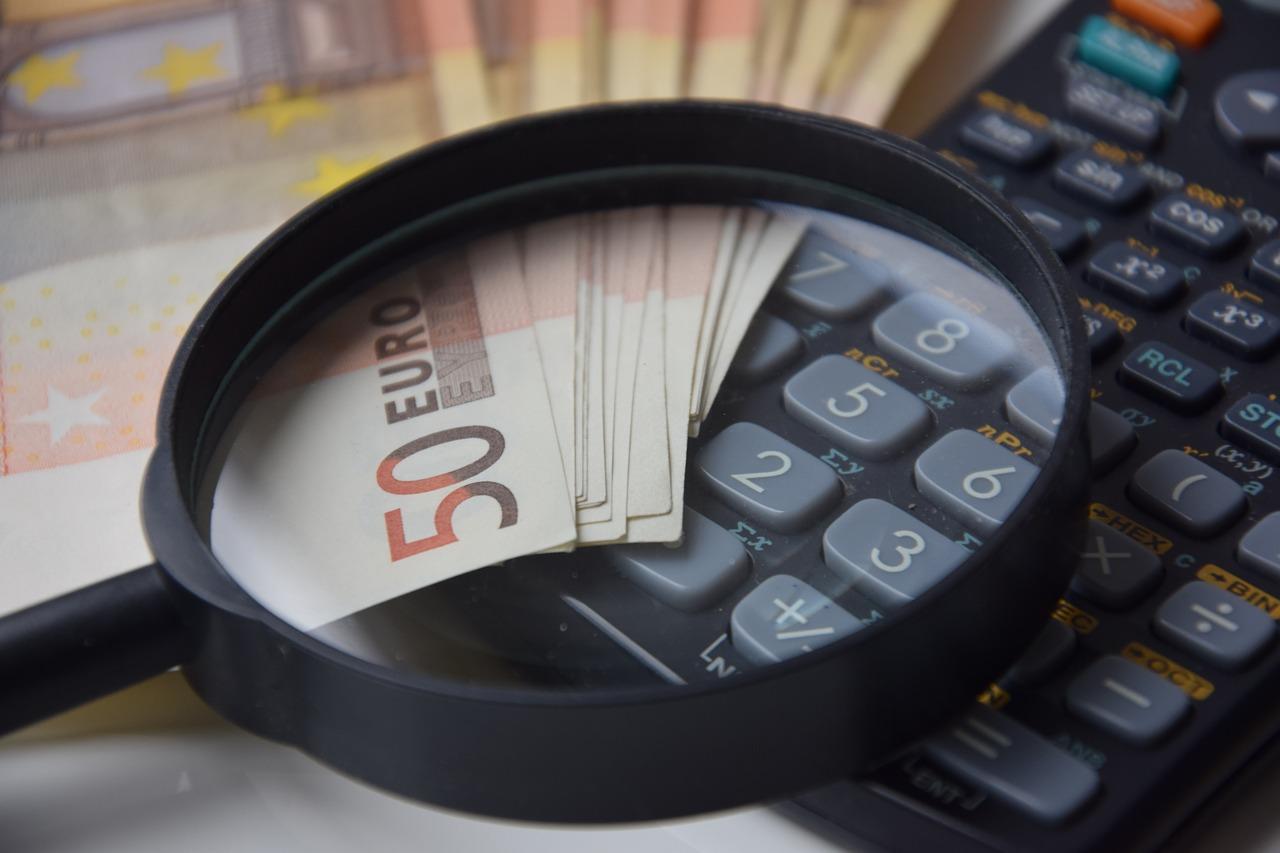 Klienci niechętni udostępnianiu fintechom swoich danych transakcyjnych. Bezpieczeństwo kluczowym aspektem zmian w bankowości
