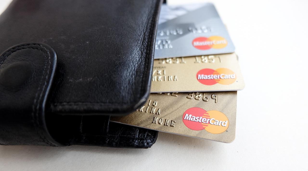 Nadchodzi społeczeństwo bezgotówkowe – jak będą wyglądać płatności przyszłości?