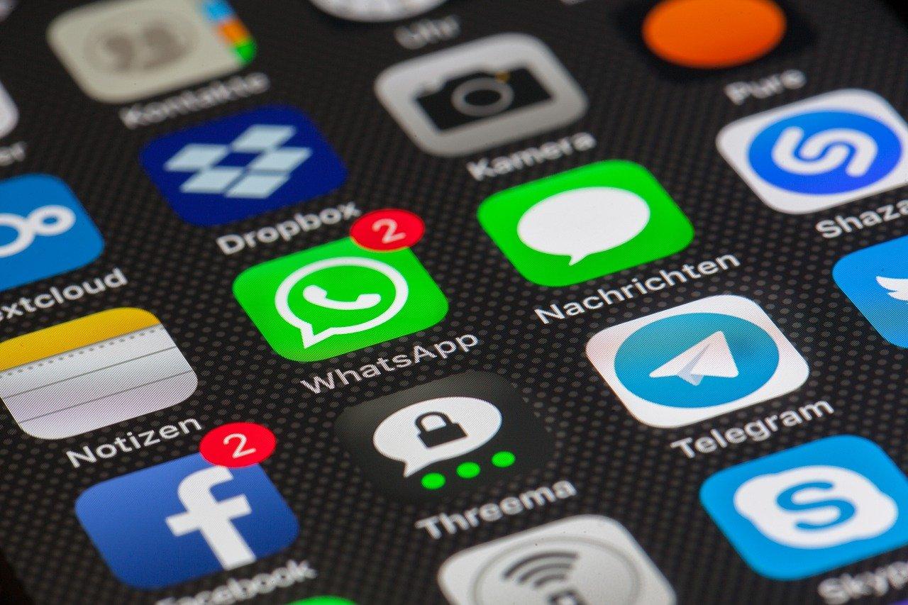 Aplikacje mobilne rewolucjonizują bankowość. Integrują wiele funkcji, a sztuczna inteligencja zapewni bezpieczeństwo